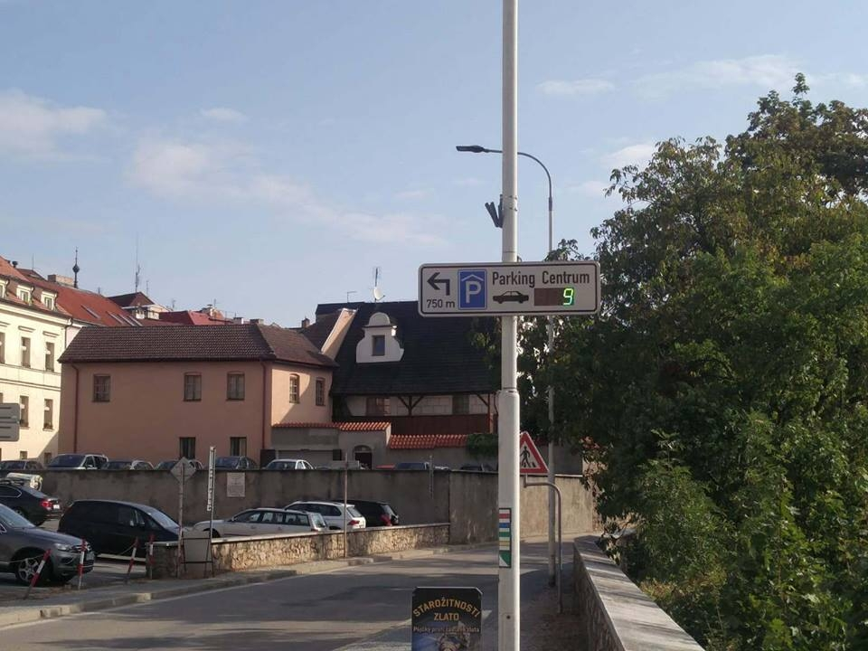 Světelný navigační systém pro parkovací dům 2